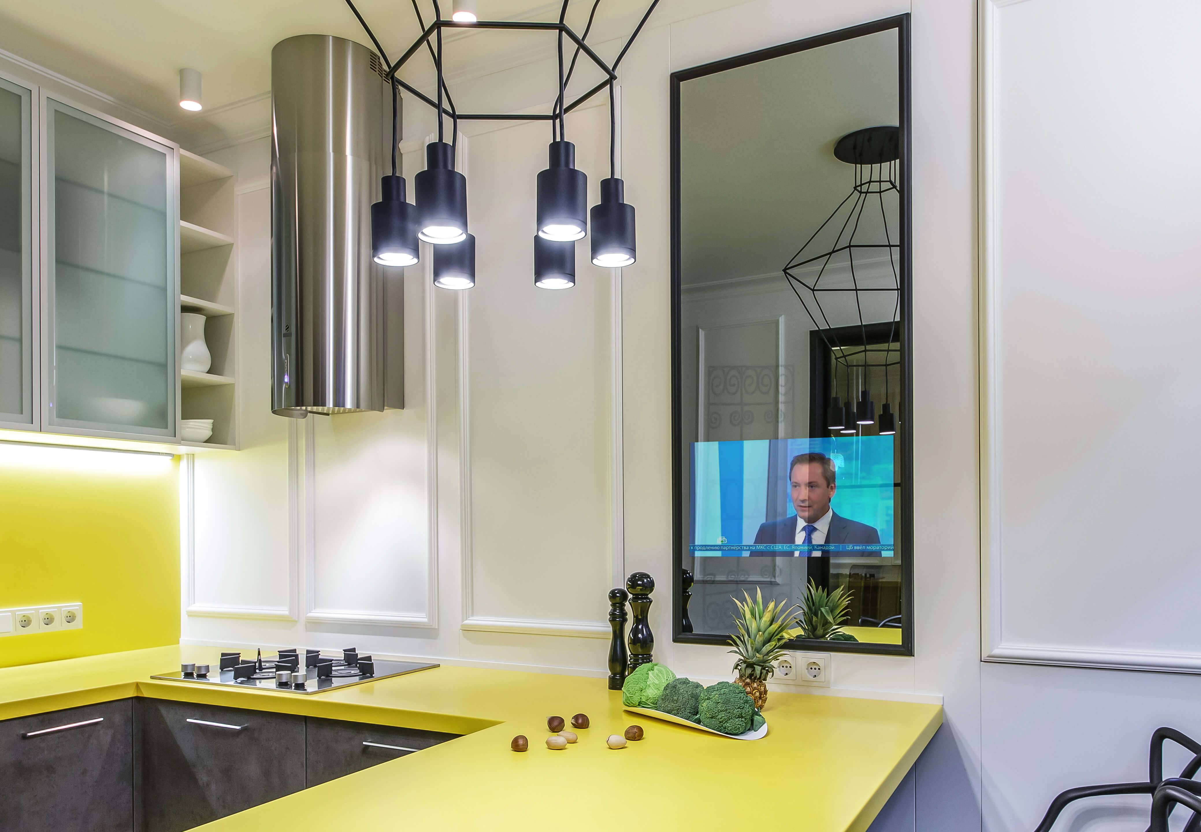 Зеркальные телевизоры на кухню