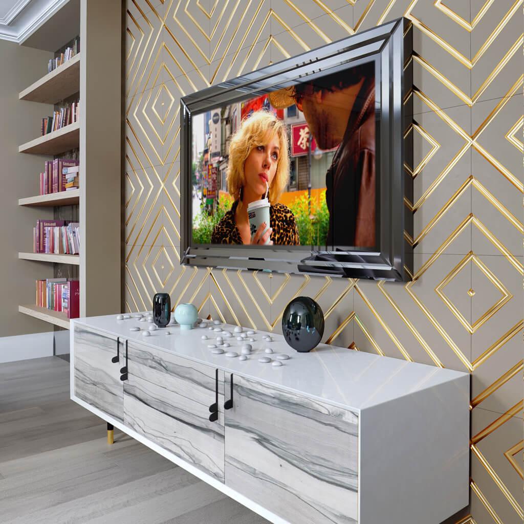 Зеркальный телевизор Tele-Art QBM включен