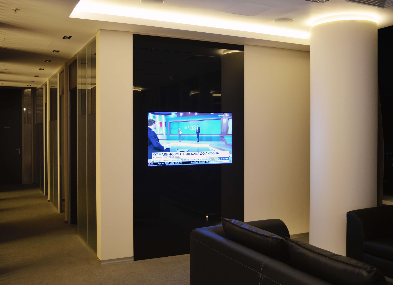 зеркальные телевизоры Tele-Art в офис Локо банка